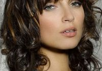 Trend 30 easy hairstyles for short curly hair the trend spotter Hairstyle For Short Curly Hair Female Choices